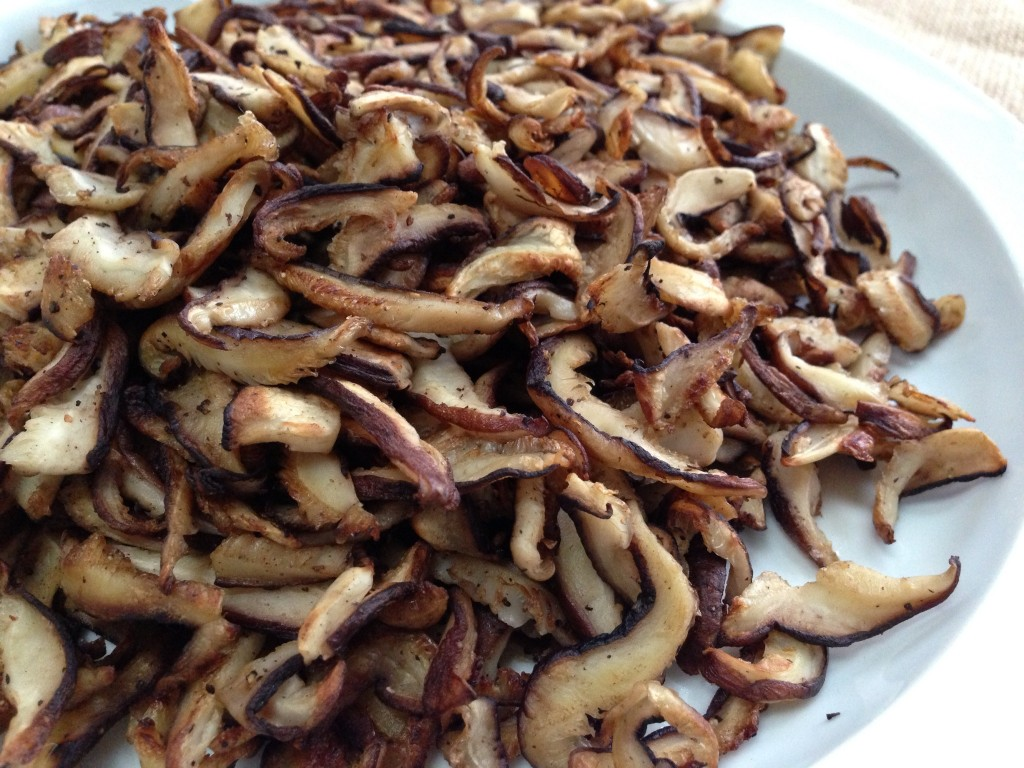 shiitakes sliced cooked